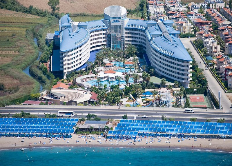 Crystal Admiral Resort Suites & Spa / Crystal Admiral Resort Suites & Spa
