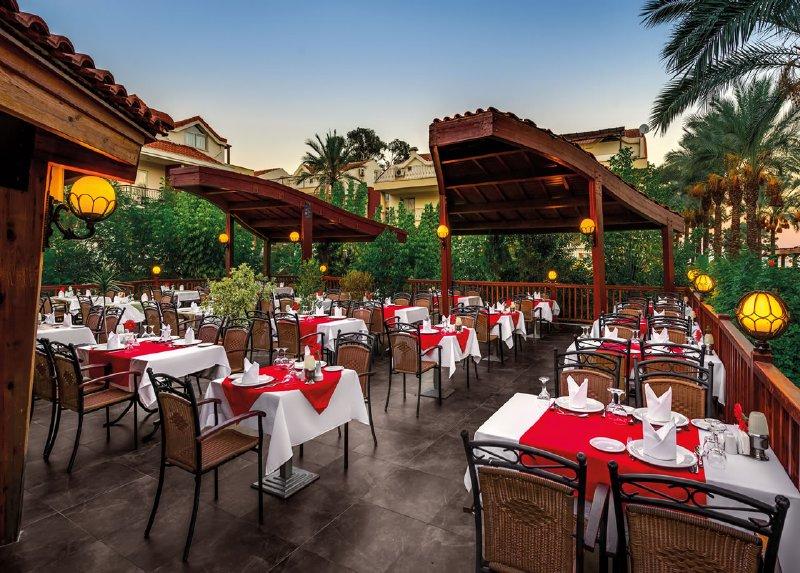 Crystal Aura Beach Resort & Spa / Crystal Aura Beach Resort & Spa