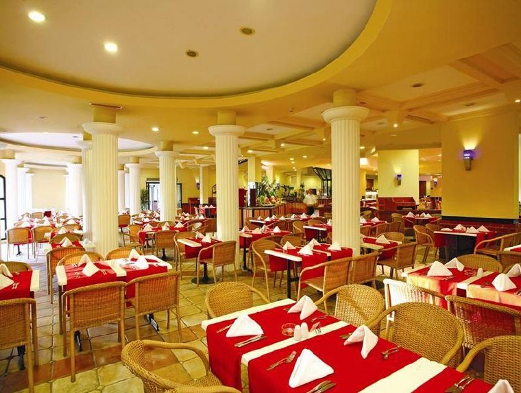 Limak Arcadia Golf & Sport Resort Hotel / Limak Arcadia Golf & Sport Resort Hotel