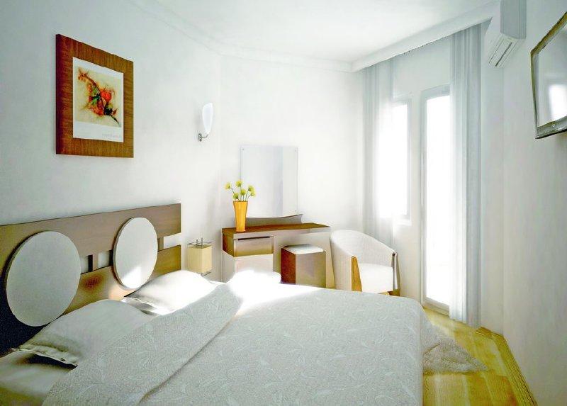 Monte Carlo Hotel / Monte Carlo Hotel